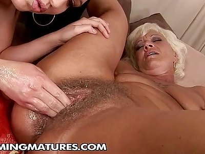 Cumming mature: Orhidea