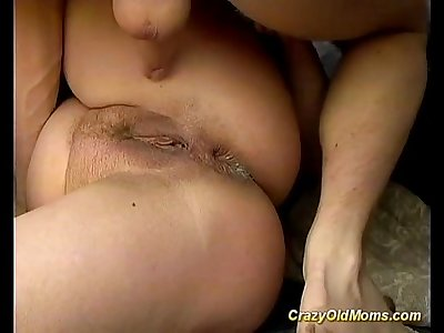 Old mom deeply and roughly ass fucked