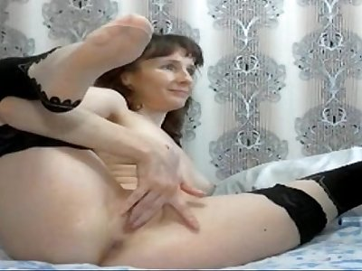 Mom Fists Her Ass & Pussy - Join Free at MOISTCAMGIRLS.COM